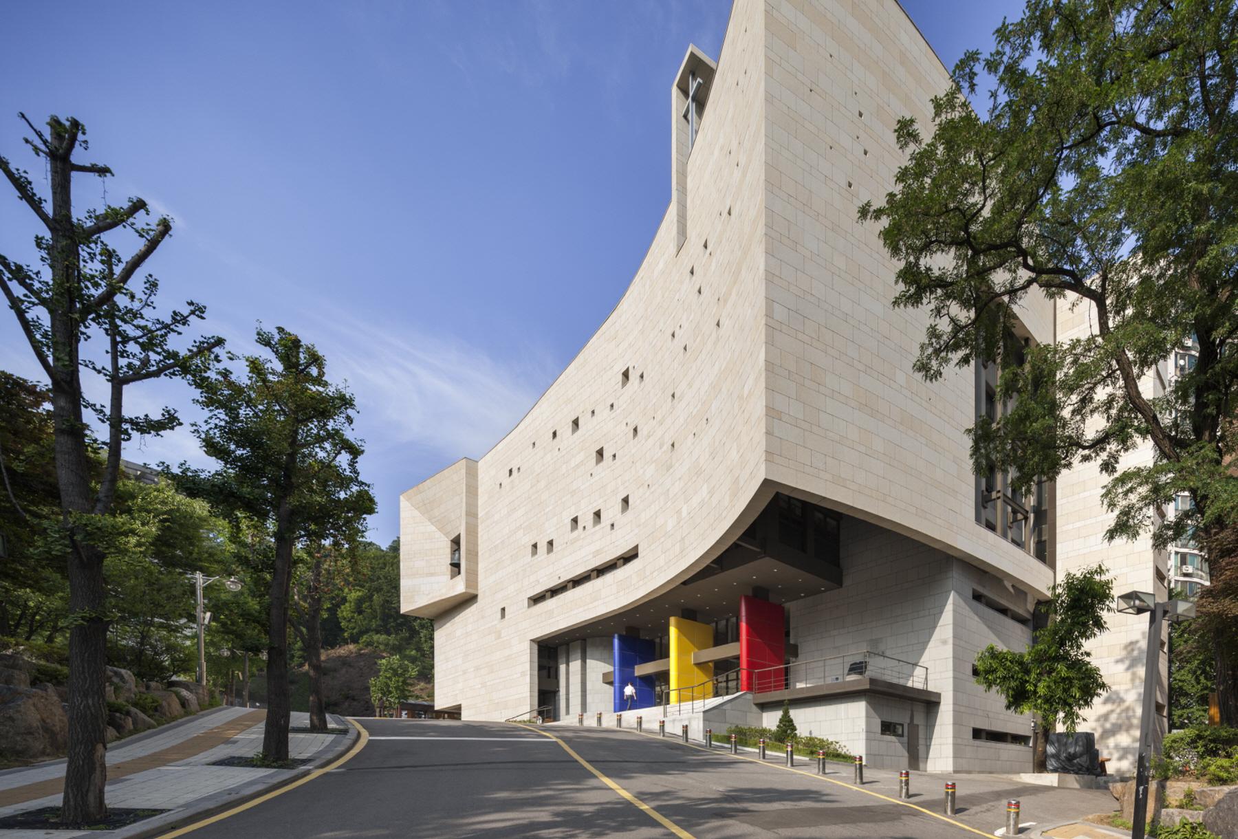 Chongshin University Renovation