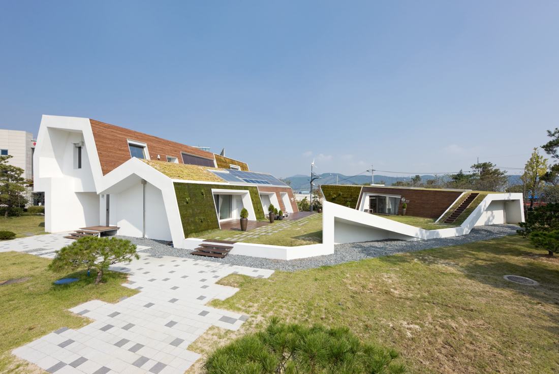 Kolong e green house architecture designwhos for Green sustainable homes